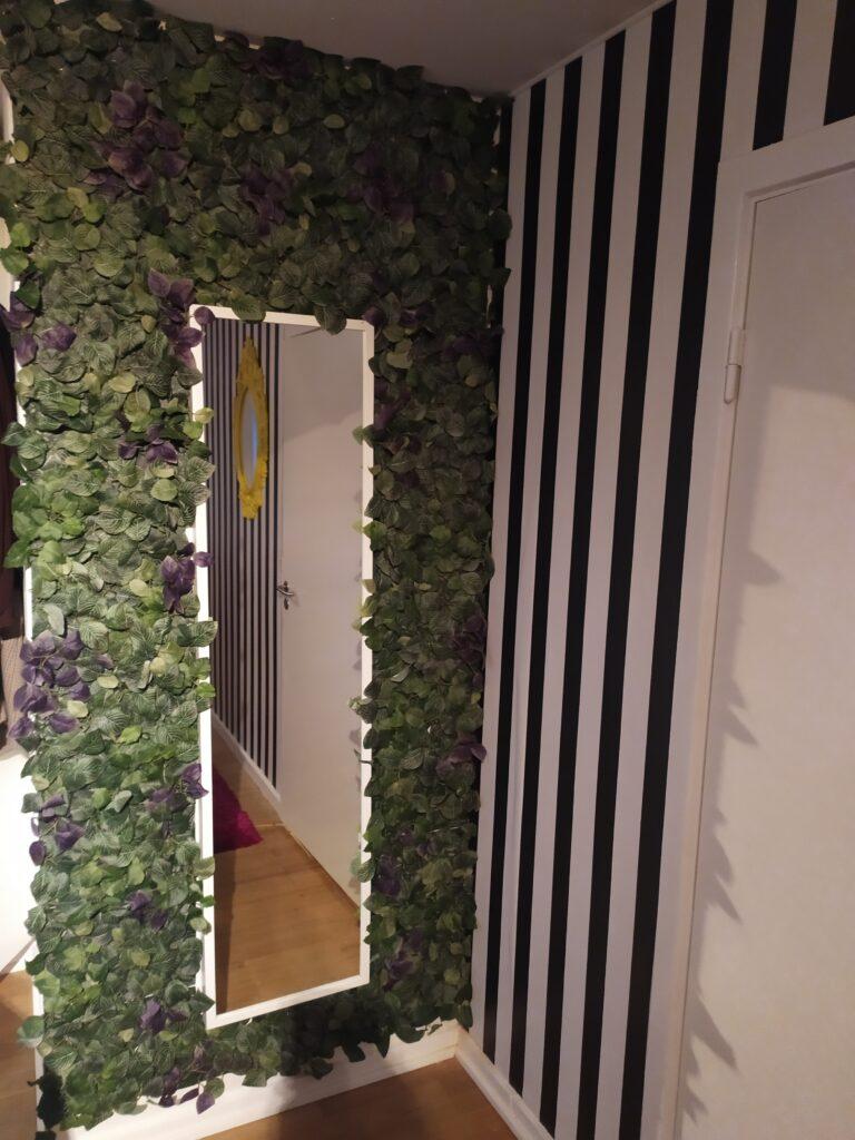 Kunstig plantevæg Ikea fejka og stribet tapet
