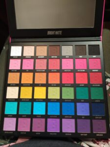 Beauty bay 42 bright matte eyeshadow palette